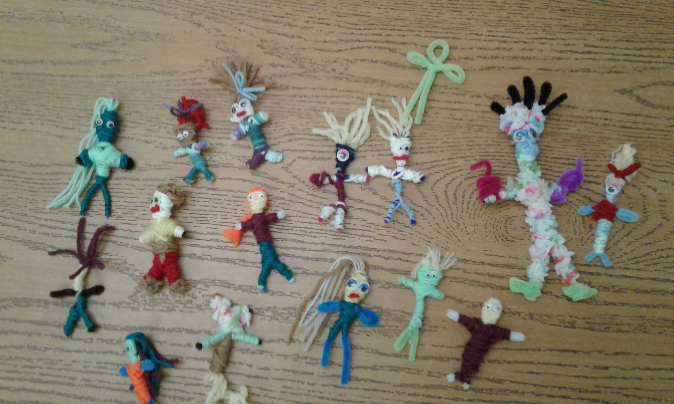 Muñecas quitapenas (worry dolls) created at art immersion activity
